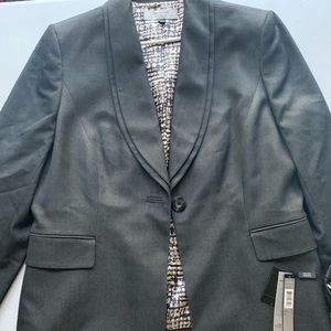 Tahari and Nine West Women Dress Suits size 16
